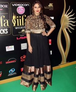 Huma-Qureshi-at-IIFA-Rocks-Green-carpet