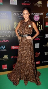 Lisa-Haydon-at-IIFA-Rocks-Green-carpet