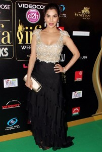 Sophie-Choudhary-at-IIFA-Rocks-Green-carpet