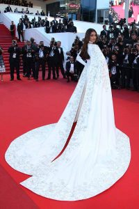 sonam-cannes-fashion-white2_820_ap