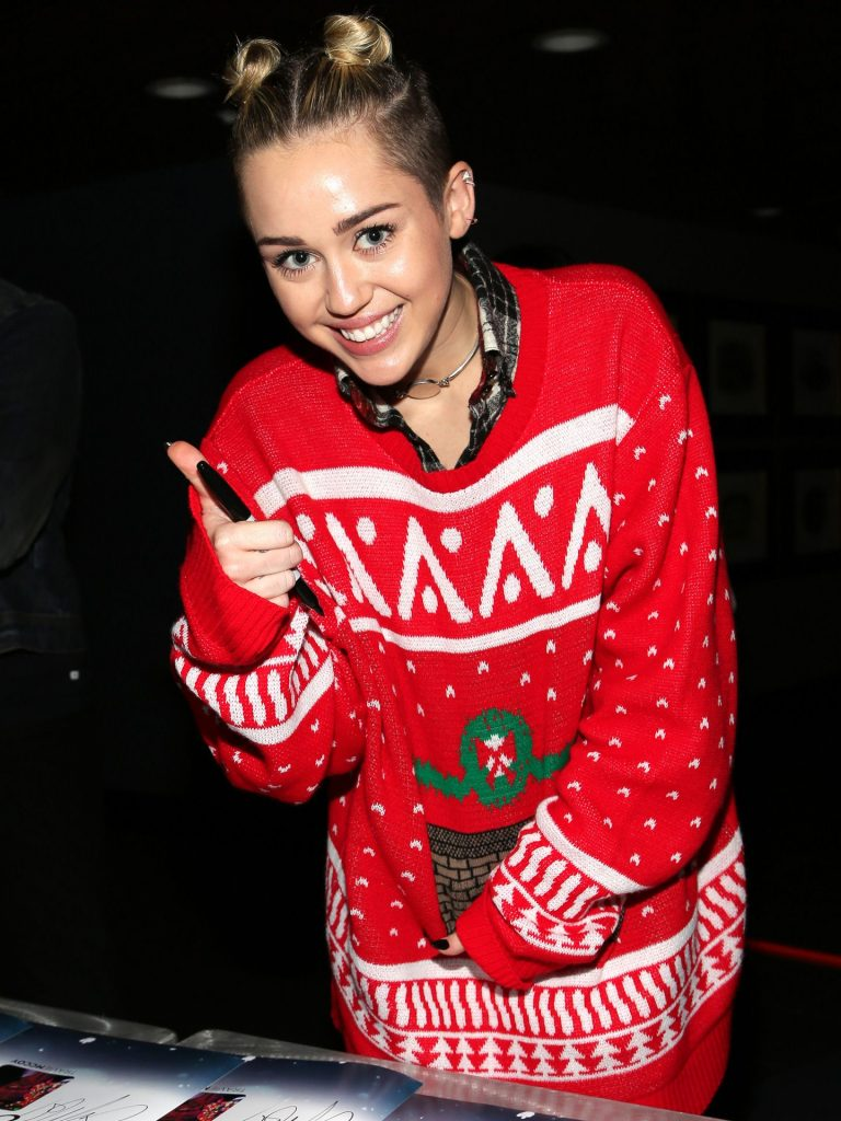 Will Smith Christmas Sweater.Christmas Fashion She Magazine